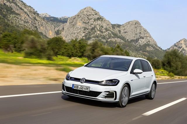 Wartezeiten für E-Autos - E-Golf für 2018 ausverkauft