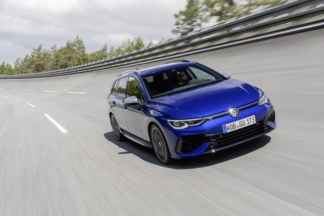 VW Golf R Variant   - Querfahren im Kombi
