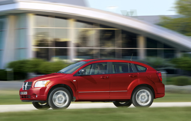 Klemmendes Gaspedal: Chrysler lässt Caliber untersuchen