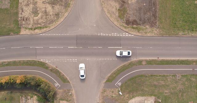 Vernetzte Autos - Ohne Stopp über die Kreuzung