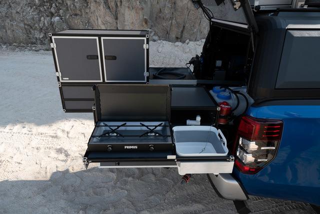 Mitsubishi L200  - Outdoor-Küche an Bord