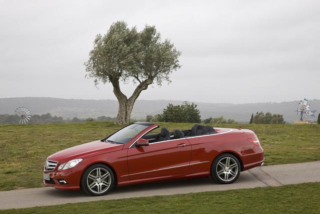 Mercedes-Benz E-Klasse Cabriolet: Über Technik definiert (Kurzbericht)