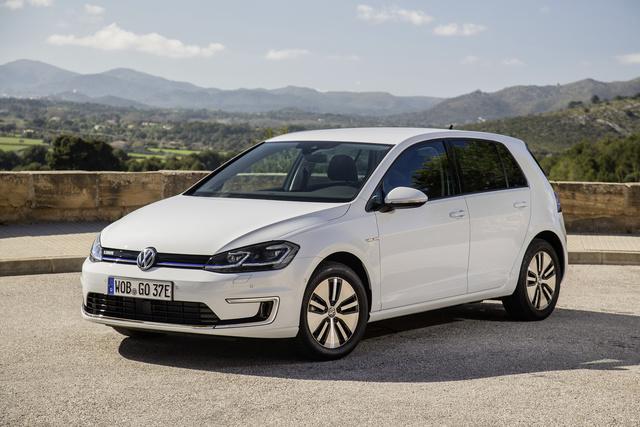 Hohe E-Auto-Nachfrage  - BMW und VW kurbeln Produktion an