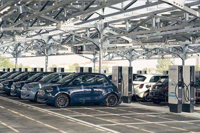 Fiat 500 als Stromspender - Laden in zwei Richtungen