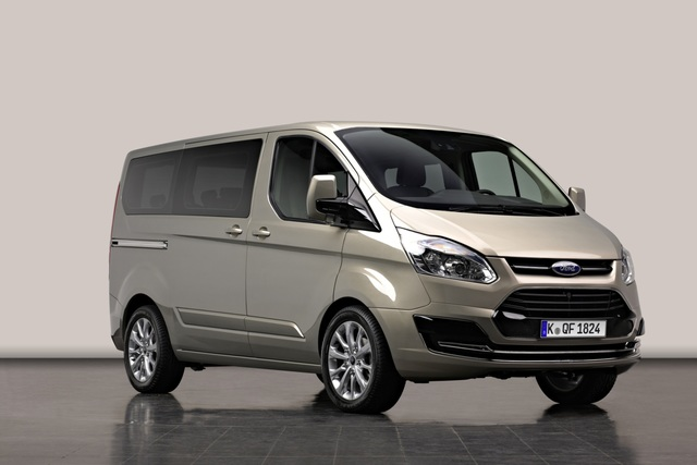ford transit tourneo custom kleinbus f r die gro familie. Black Bedroom Furniture Sets. Home Design Ideas