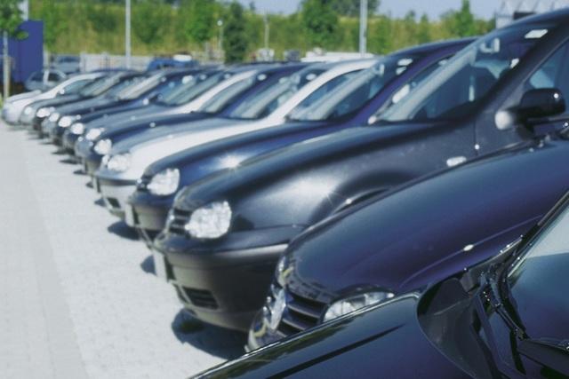 Studie zum Gebrauchtwagenhandel - Schnelle Antworten erwünscht