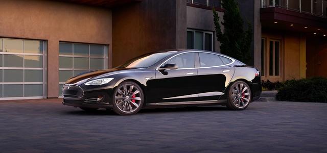 Restwerte in der Oberklasse  - Tesla stößt Porsche vom Thron