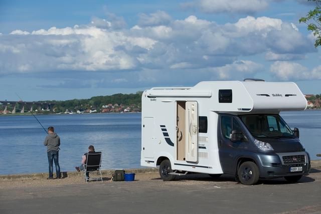 Wohnmobil und Caravan -  Von Leichtgewichten und Preisbrechern
