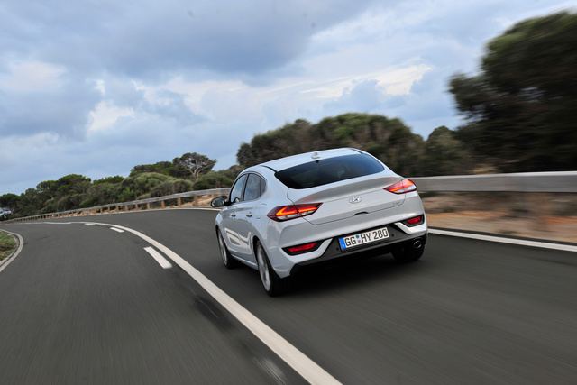 Hyundai i30 Fastback - Fünftürer-Coupé mit Turbobenzinern