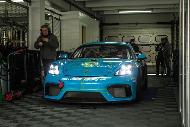Test: Porsche Cayman GT4 Clubsport   - Kundensportrenner 2.0