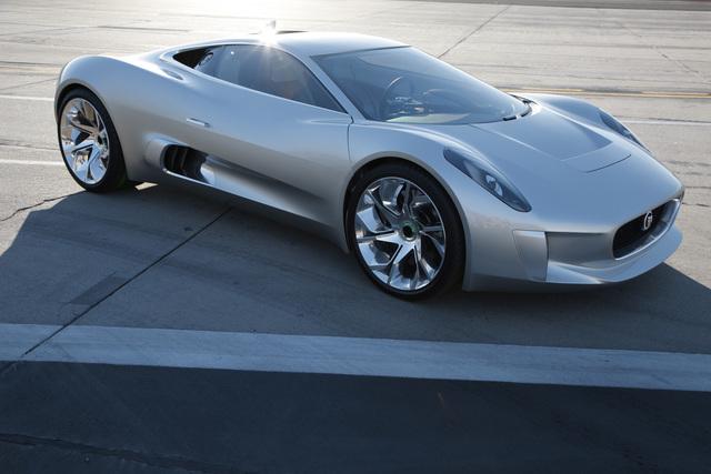 Jaguar C-X75 - Doch kein grüner Sportler