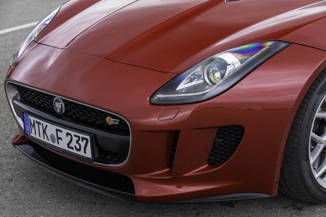 Jaguar F-Type Coupe - Porsche-Jäger mit geschlossenem Visier