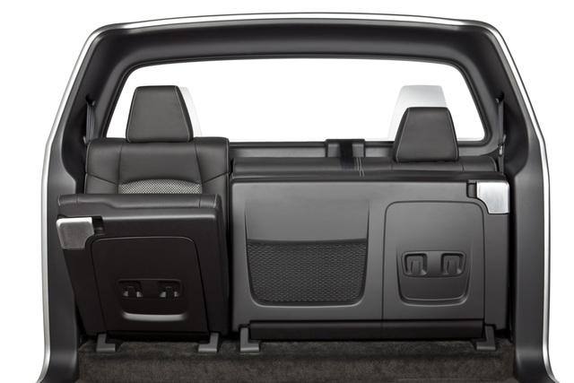 Neue Pick-up-Sitze - Platzplus im Pritschenwagen