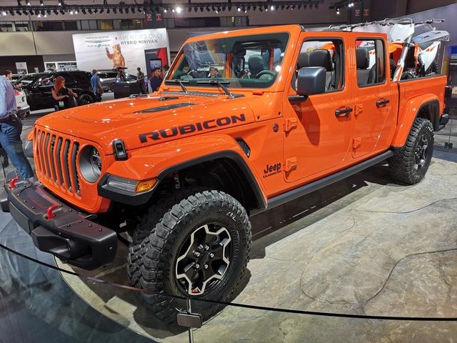 Jeep Gladiator - Transportkompetenz im Matsch