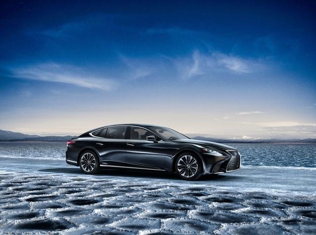 Lexus LS 500h - Schneller mit weniger Leistung