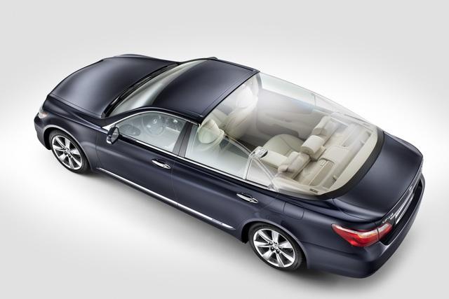 Lexus Landaulet - Fürstenhochzeit unter der Glaskuppel