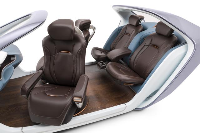 Autositz der Zukunft - Sitzecke für Fahrer und Beifahrer