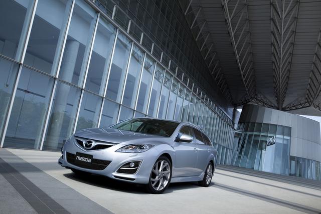 Mazda6 feiert Deutschland-Premiere auf der AMI