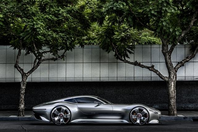 Mercedes Show-Sportwagen - Virtuell ein bisschen real