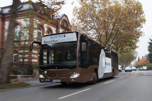 Mercedes-Busse - Sparsam und schadstoffarm
