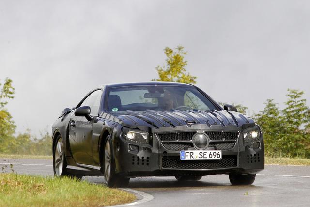 Mercedes SL Prototyp - Dienstfahrt mit Darth Vader