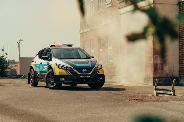 Nissan Re-Leaf - Kraftwerk auf Offroad-Reifen