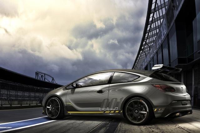 Opel Astra OPC Extreme - Nachschlag für die Rennstrecke
