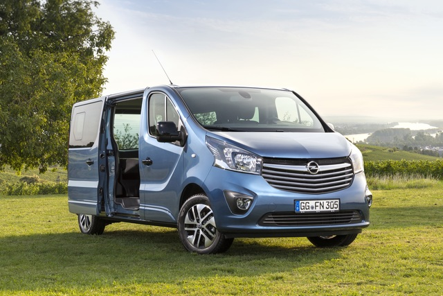 Opel Vivaro Life - Bett an Bord