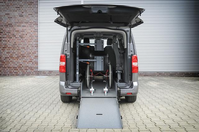 Opel Modelle mit Rollstuhlumbauten - Mobil trotz Handicap