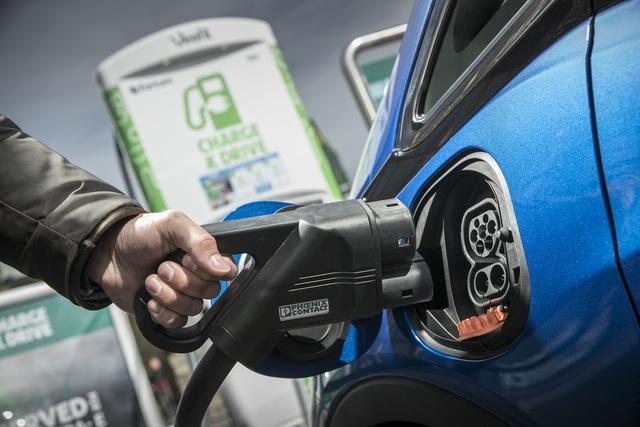 Bilder: Freiheit für das Elektroauto Fahrbericht: Opel Ampera-e ...