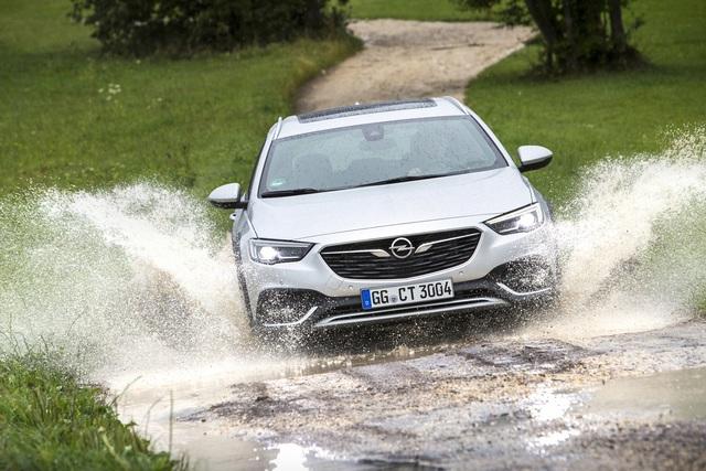 Test: Opel Insignia Country Tourer Biturbo 4x4 - Platz (ist) da