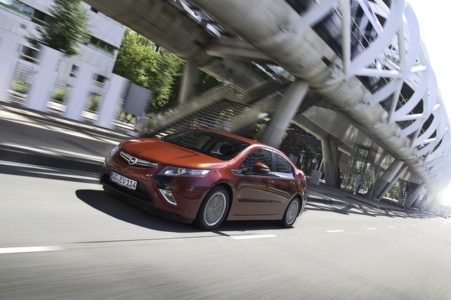 Opel Ampera und Chevrolet Volt - Sicherheits-Update für die E-Autos