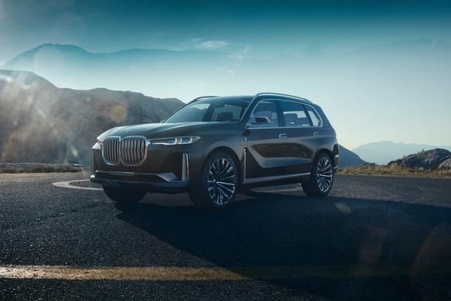 BMW X7 iPerformance  - Auffällig groß