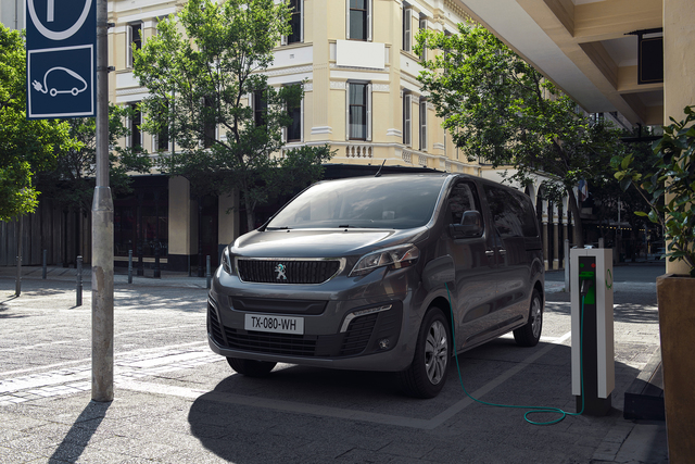 Peugeot e-Traveller  - Für bis zu 9 Personen