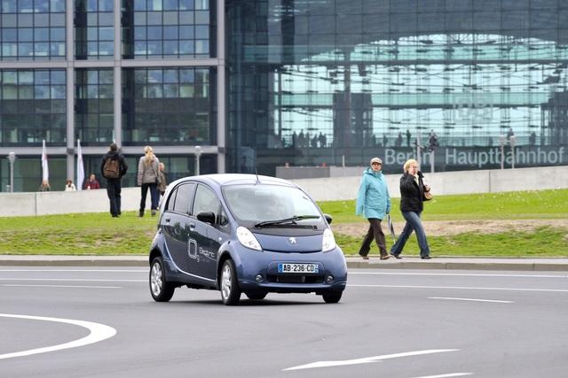 Peugeot-Angebot für E-Autokunden - Fahrstrecken-Analyse gegen Reichweiten-Angst
