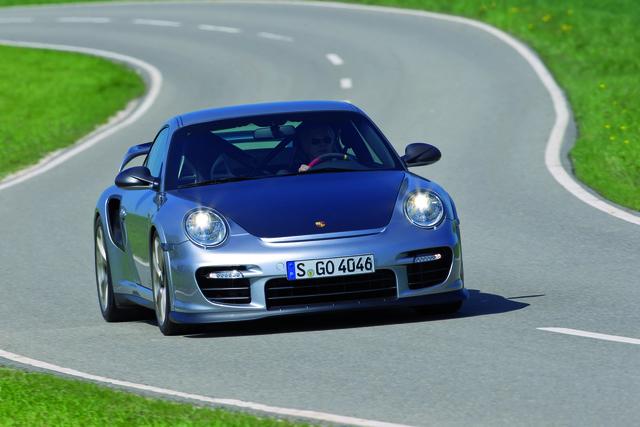 Porsche 911 GT2 RS: Mehr und weniger (Kurzfassung)