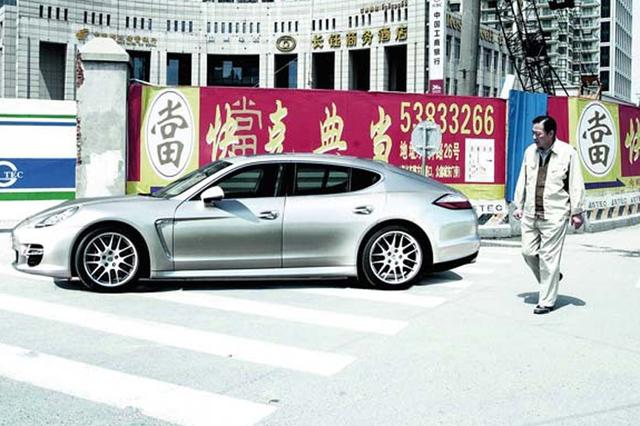 Das etwas andere Downsizing: Porsche Panamera/Panamera S feiern Weltpremiere