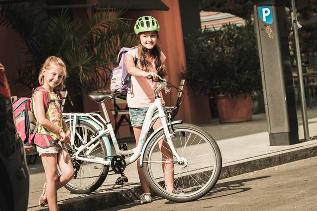 Ratgeber Kindersicherheit im Straßenverkehr - Routinen üben und Rücksicht nehmen