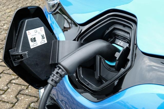 Ratgeber: Vorteile eines Elektroautos  - Freies Parken inklusive