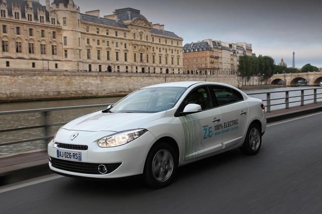 Renault-Elektrofahrzeuge - An die Stecker, fertig, los