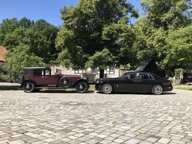 Impression: Rolls-Royce Phantom I trifft auf Phantom VIII - Im Laufe von fast hundert Jahren