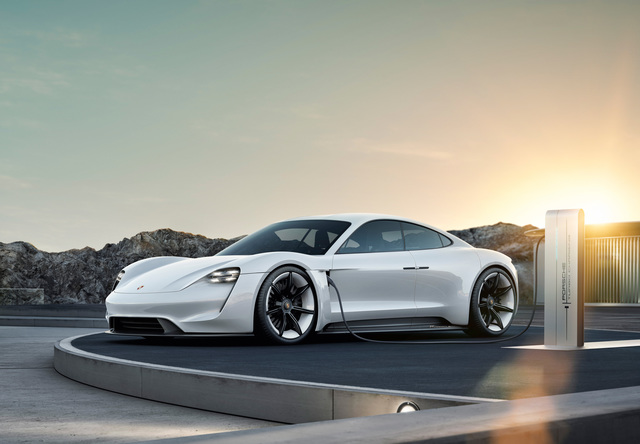 """Von """"Mission E"""" zum wilden Pferd - Ester Elektro-Porsche heißt Taycan"""