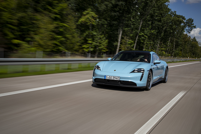 Porsche Taycan   - Erstes Update im zweiten Modelljahr