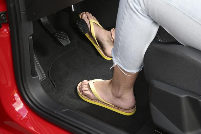 Ratgeber: Autofahren im Sommer  - Richtig lüften, korrekt sitzen und ruhig bleiben