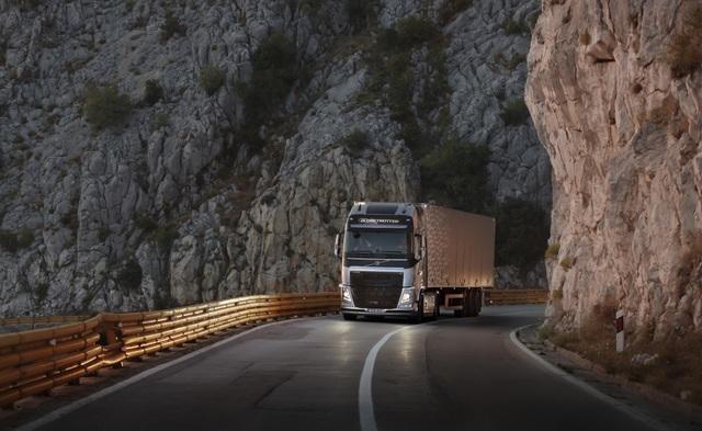 Volvo Trucks  - E-Lkw sollen Verkehr entlasten