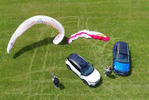 Grandland X gegen Peugeot3008: Wer ist das besserePSA-Gewächs?