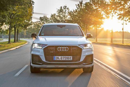 Audi Q7 60 TFSI e: Sport im Teilzeit-Stromer – ab 74.800 Euro