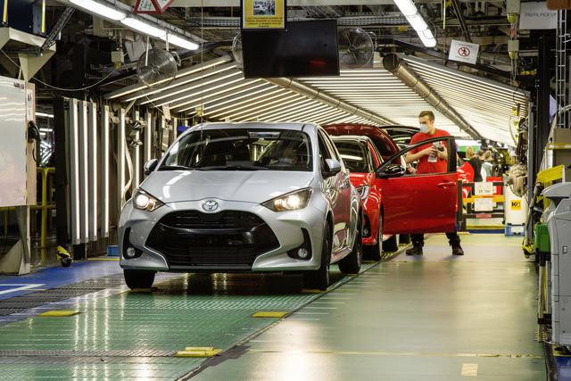 Panorama: Wie Toyota die Produktion behutsam wieder ins Rollen bringt - Coronas Vermächtnis