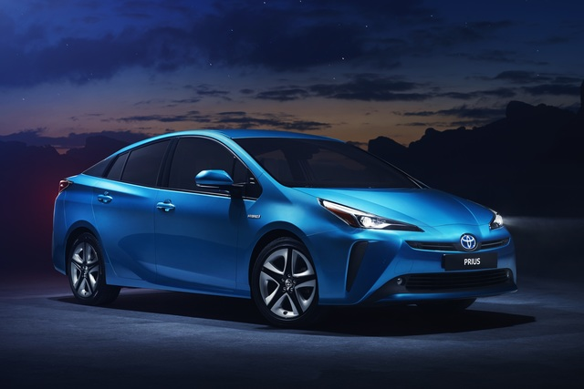 Toyota Prius III Facelift - Scharfer Blick und optionales Allradsystem