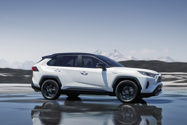Fünfte Generation des Toyota RAV4 in den Startlöchern - Mehr Dynamik und Platz – dafür ohne Diesel